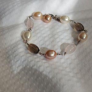 Pearl and bead bracelet EUC